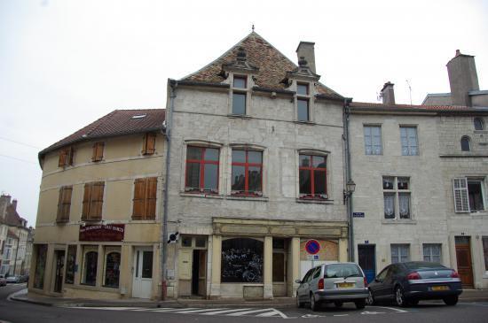 Place Jeanne d'Arc - Neuchâteau (88)