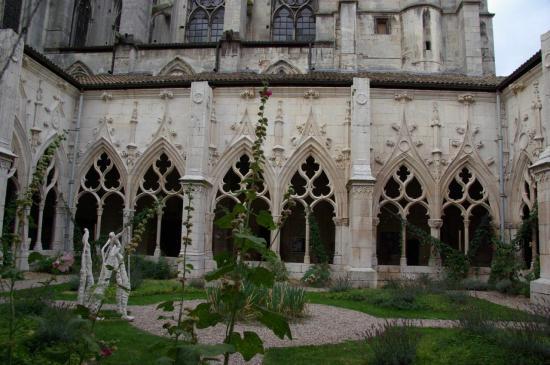Toul - église Saint-Gengoult - cloître